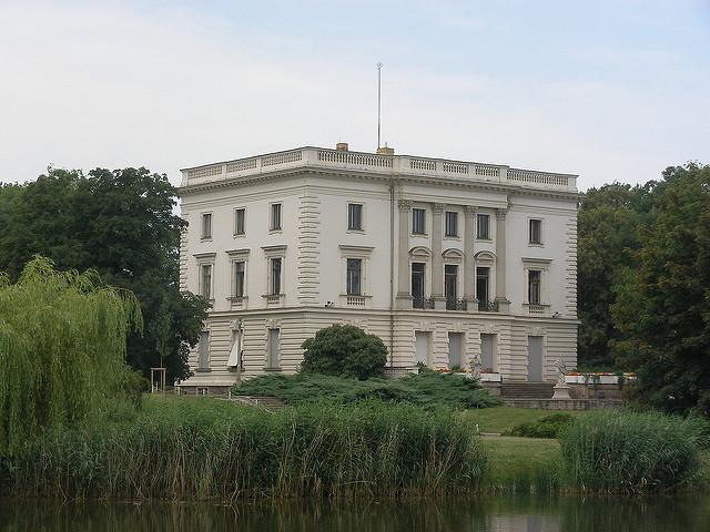 Markkleeberg, das weiße Haus, (c) Martin Roell, https://flic.kr/p/522MBW